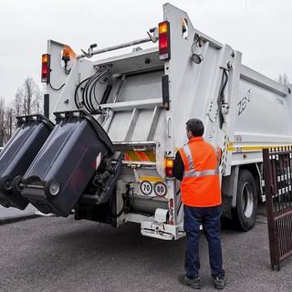 Domani 1° maggio, festa del lavoro, cambia la raccolta rifiuti
