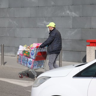 """""""Gli addetti alla sicurezza dei supermercati non sono titolati per controllare le auto"""". Le riflessioni del consigliere comunale Spata"""