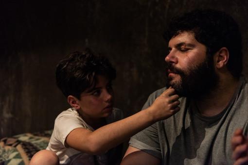 """Un'immagine da """"Spaccapietre"""" con Salvatore Esposito"""