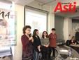 Le ragazze della 3C del Monti con l'insegnante Silvana Nosenzo
