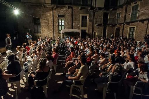 """Prorogati al 30 giugno i termini di scadenza di """"Scintille"""", concorso rivolto alle compagnie teatrali under 35"""