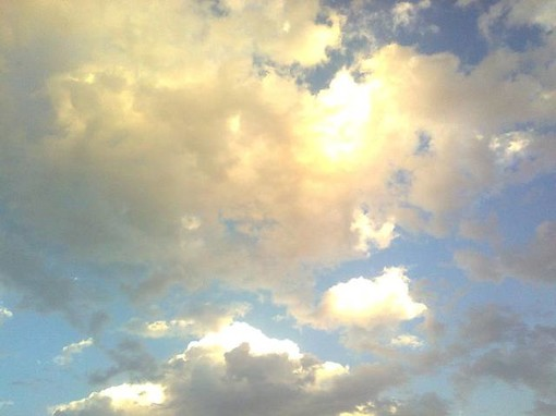 Meteo, qualche nuvola ma caldo e afa estiva nel weekend su Asti e provincia