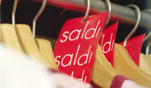 Commercio Piemonte, anticipate al 25 luglio le vendite di fine stagione