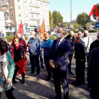 Tanti astigiani e il sindaco Rasero, questa mattina, hanno portato solidarietà alla Cgil [FOTO E VIDEO]