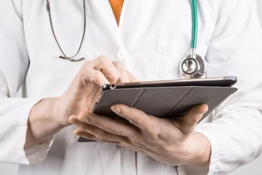 Coronavirus Piemonte, c'è l'accordo tra Regione e Pediatri: triage telefonico anche nel weekend