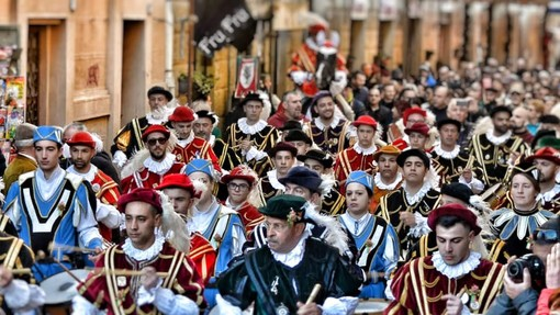 Palio di Asti: Il Carnevale per il Borgo Viatosto è con i Trombettieri di Oristano