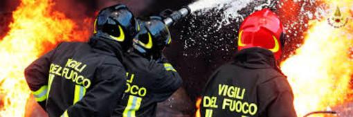 """Covid-19, """"il Governo stanzi risorse per l'assunzione diretta dei vigili del fuoco già nel prossimo decreto di aprile"""""""