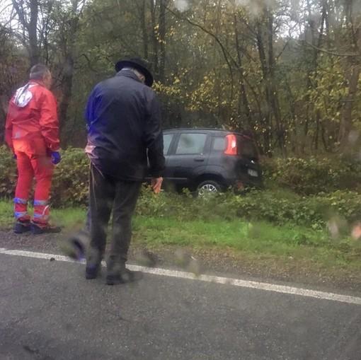 Incidenti nell'Astigiano. Auto esce fuori strada a Valmanera. Tra Dusino e Villafranca un uomo resta incastrato nella sua auto