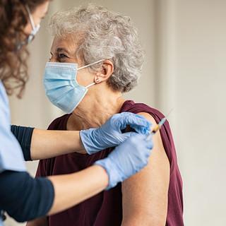Vaccino anti Covid, oggi in Piemonte 1437 vaccinati, per un totale di 284.047