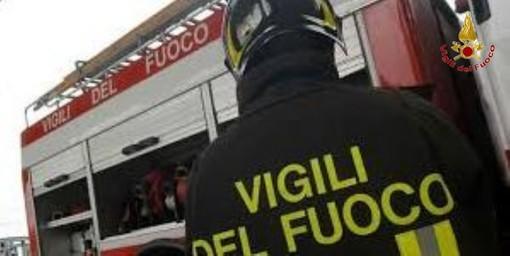 Dusino San Michele, auto distrutta da un violento incendio