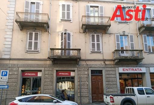 Asti: tragedia di via Cavour. Trovato il biglietto di addio